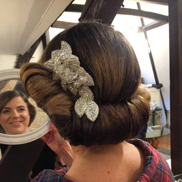 vintage wedding hairstyle with hair pin