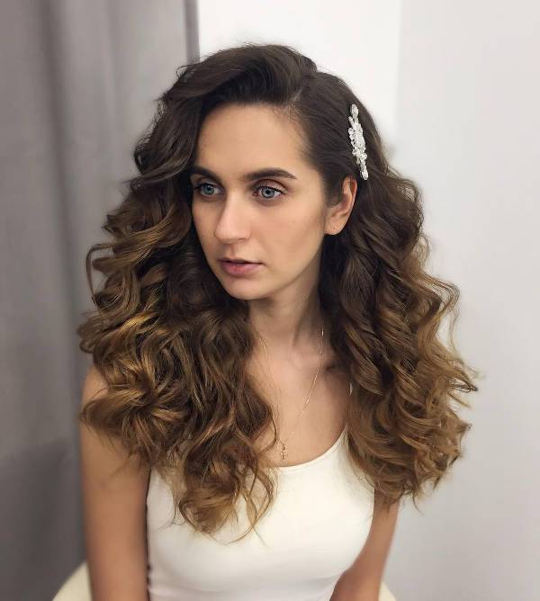 cool curly wedding hairstyle