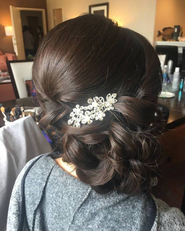 pretty side weding hairstyle