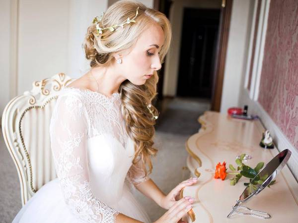medium side wedding hairstyle