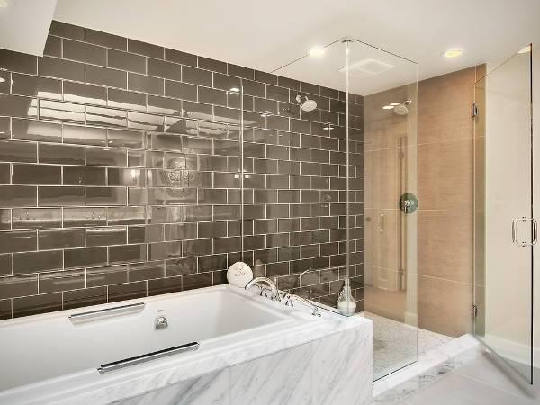 modern bathroom subway tiles