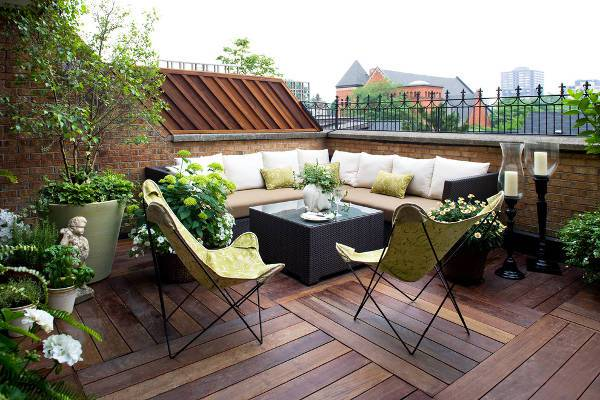 outdoor balcony wood flooring