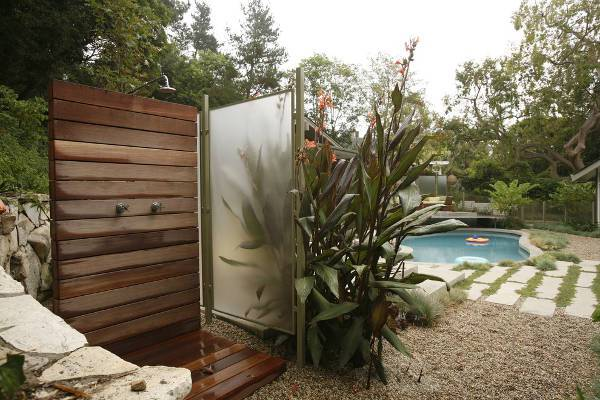 simple tropical outdoor shower