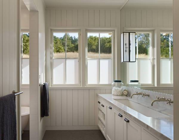 cool farmhouse bathroom sink