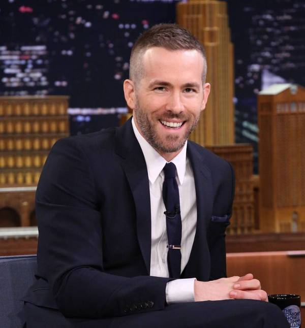 ryan reynolds comb over bald fade hairstyle