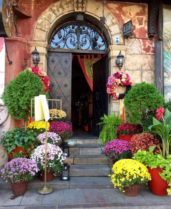 best restaraunt front door