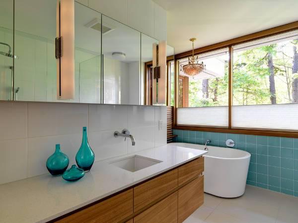 small modern btahroom sink