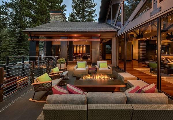 luxurious deck fire pit idea