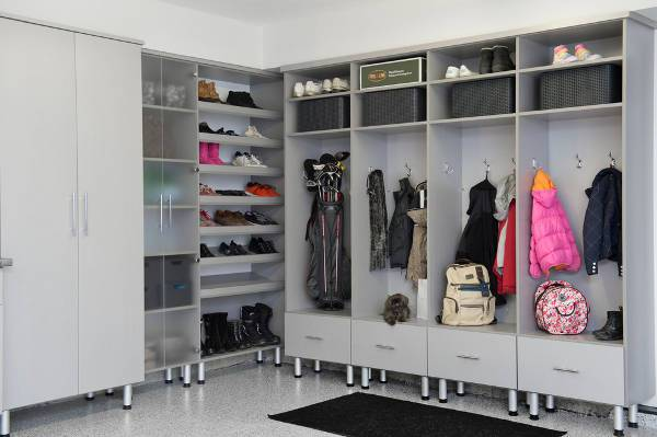 modern garage mudroom design