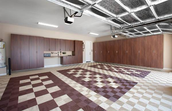 garage checked floor design
