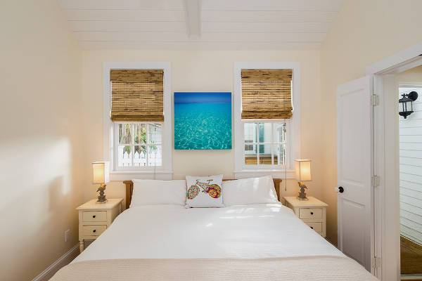 small beach style guest bedroom