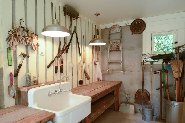 traditional garage sink design