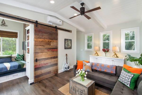 sliding wooden barn door