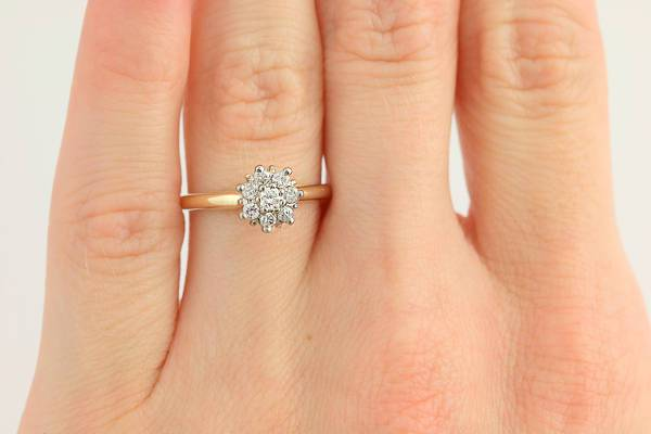 Cute Vintage Flower Engagement Ring