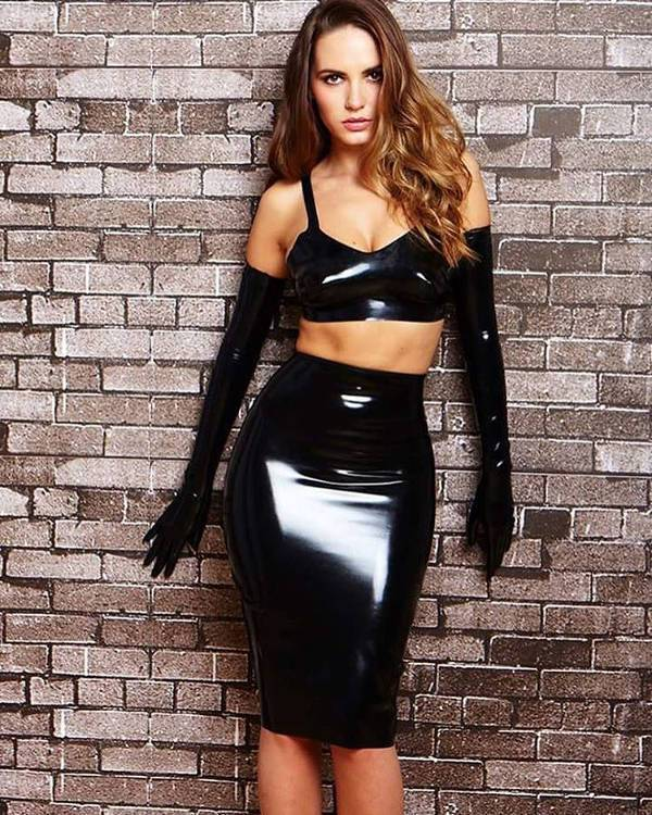 stylish latex outfit idea