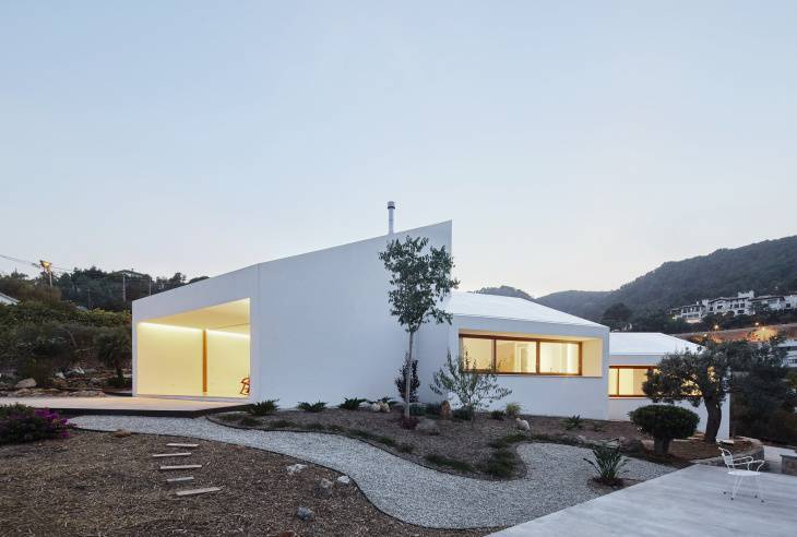 Beautiful Landscape Surrounds Casa MM