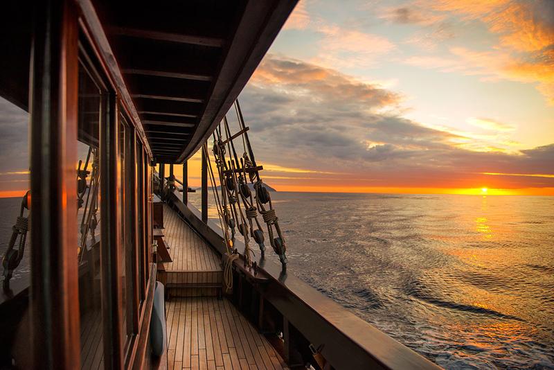 5 sunset deck