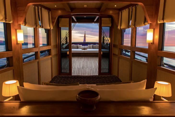 14 stern bedroom view