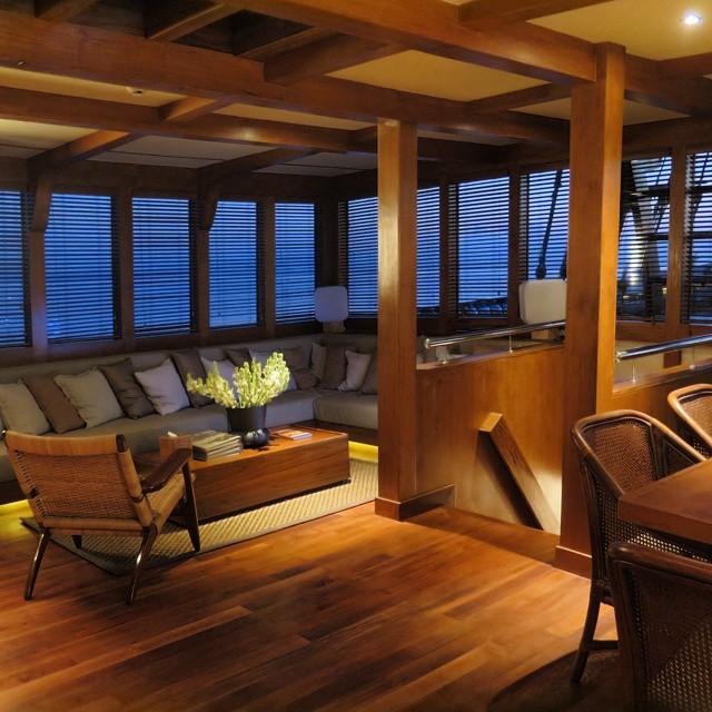 15 lounge