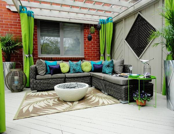 small outdoor rugs