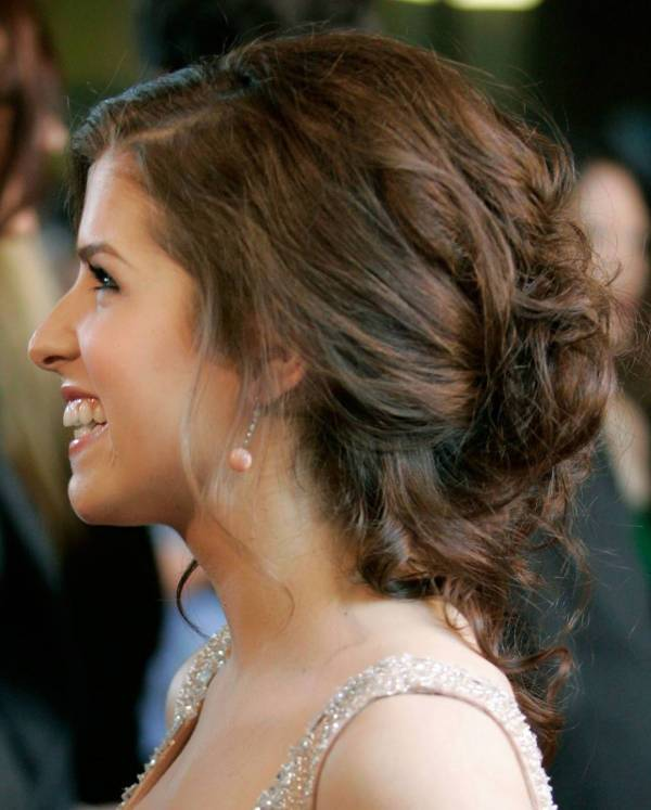 anna kendrick prom updos for long hair