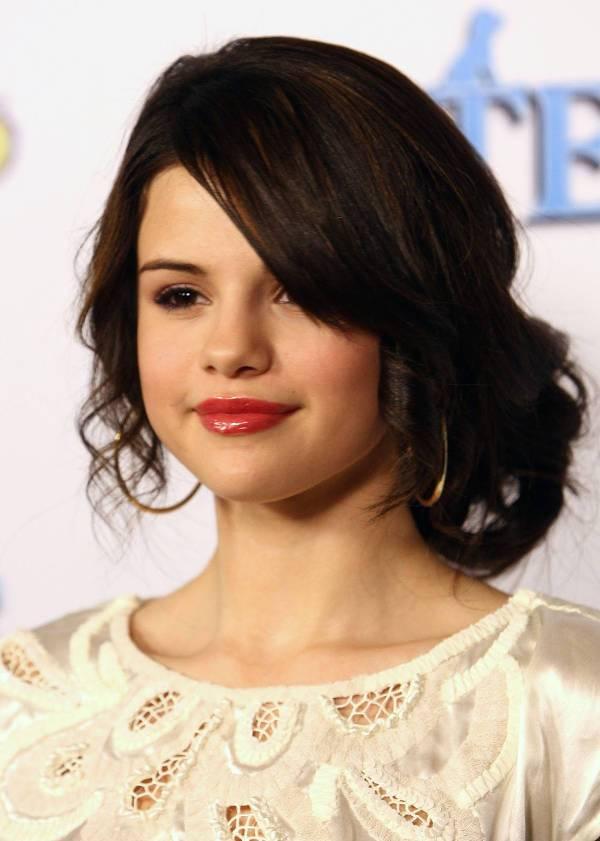Selena Gomez Formal Updos For Long Hair