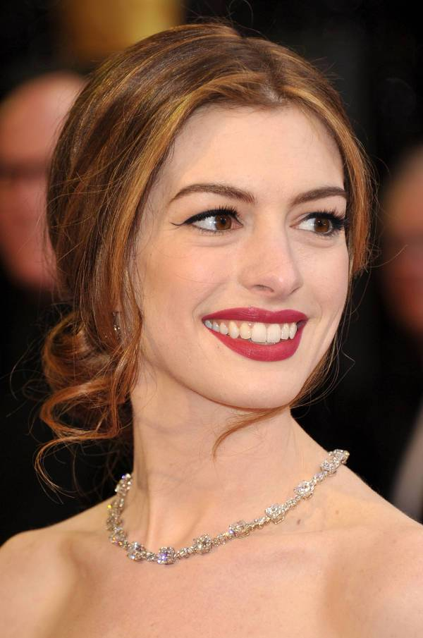 anne hathaway loose updos for long hair