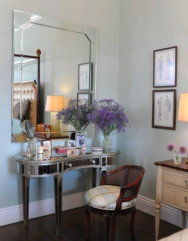 mirrored vanity tables