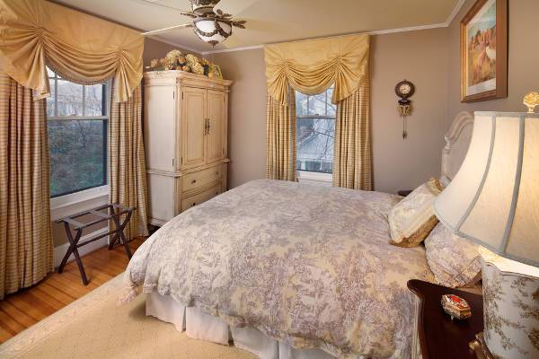 bedroom armoire designs