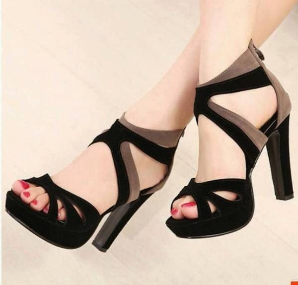 Black High-Heel Design