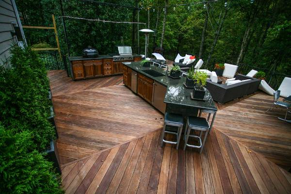Classic Look Outdoor Kitchen