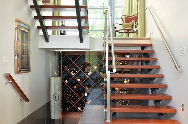 Contemporary Undestairs Wine Cellar