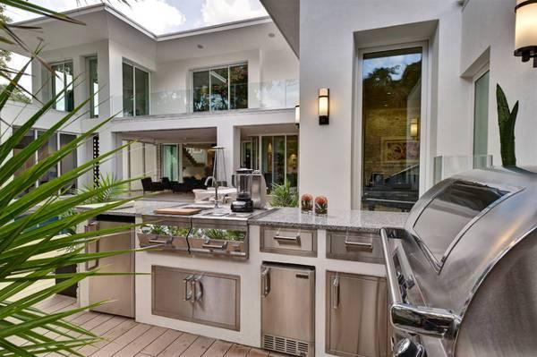 farmhouse outdoor kitchen design