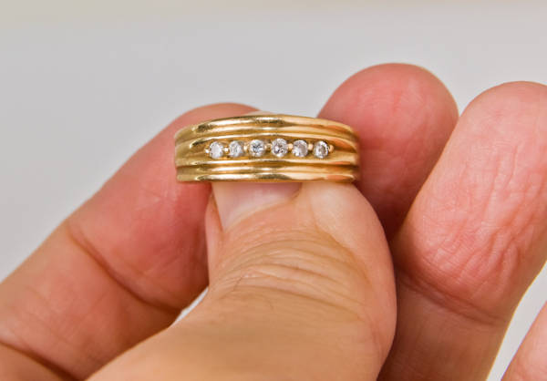 Men's Vintage Gold Wedding Ring