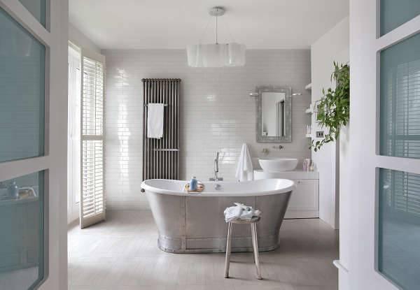 Modern White Bathroom Vanity with Tub