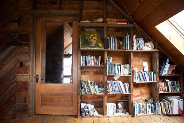 rustic wood bookcase design