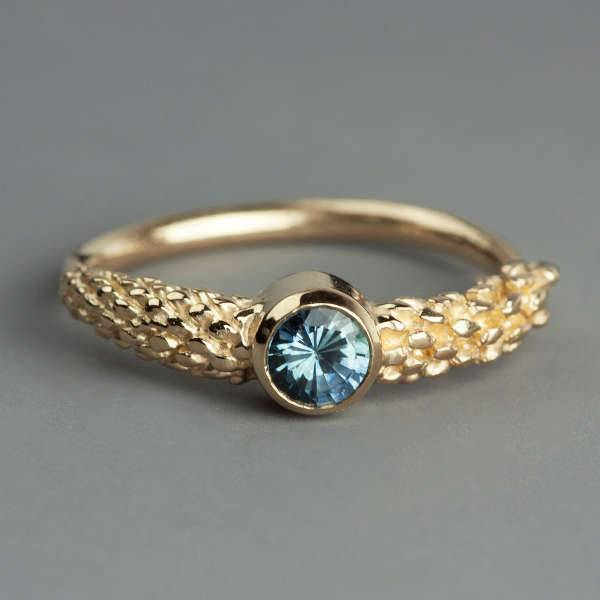 sapphire gold ring designs