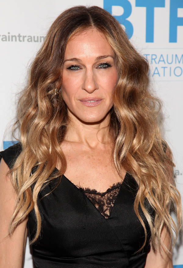 sarah jessica parker layered curly hairstyle