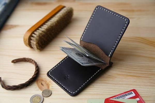 Simple Money Clip Wallet for Men