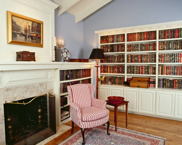traditional home library bookcase