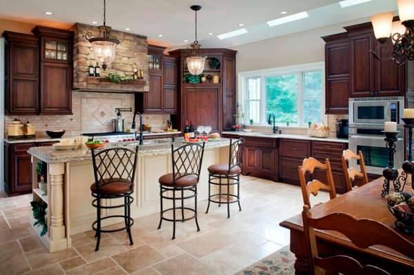 travertine kitchen backsplash idea