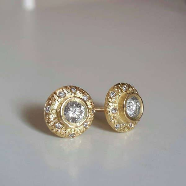 vintage gold stud earrings