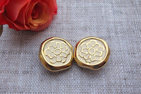 vintage style clip on earrings