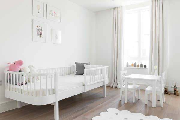 white kids bedroom furniture table