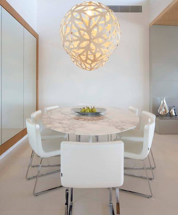 white marble dining table idea