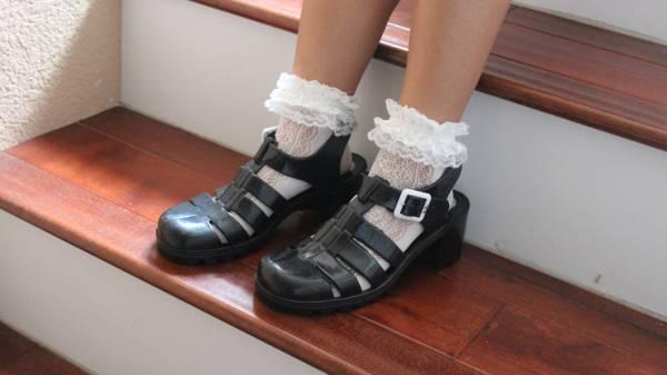 white ruffle socks for women