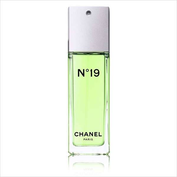 Chanel No 19 Eau de Parfum Spray