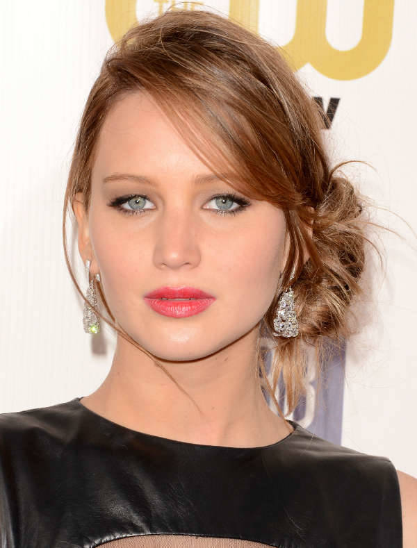 jennifer lawerence side swept wedding hairstyle