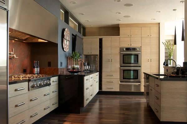 Kitchen Cabinet Decorating Idea