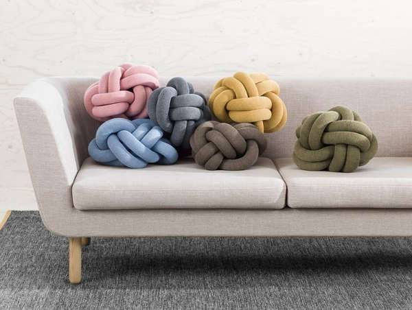 Knotted Pillows